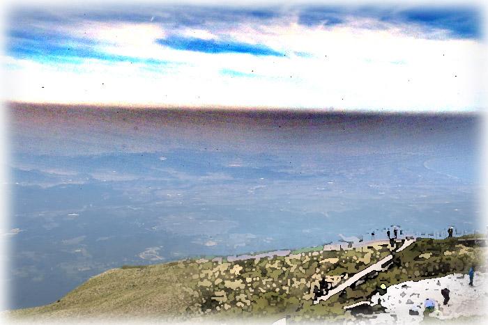 山頂から360度の眺望